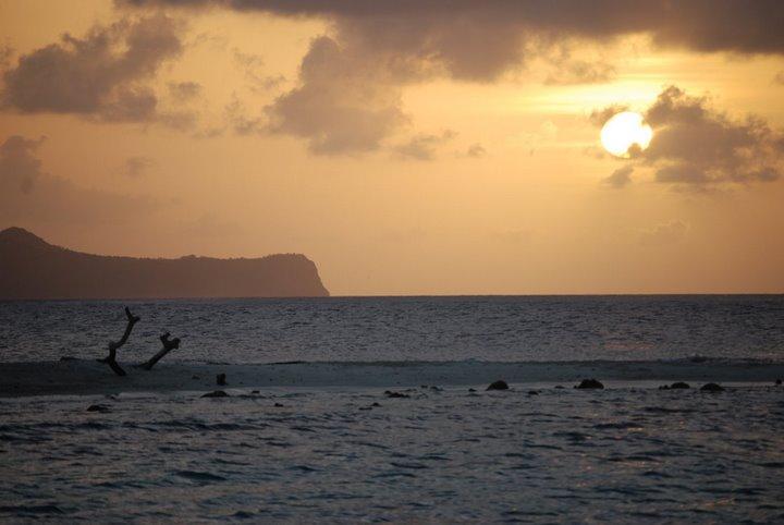 Grenadine trip 3-08 Canouan sunset